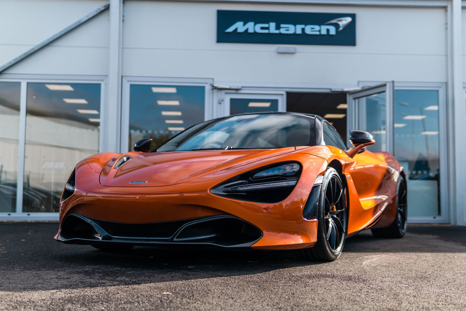 McLaren 720S V8 2dr SSG PERFORMANCE 4.0 Automatic Coupe (2018) image